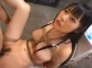 女を器に縛りつけ性処理専用の肉器にする1 - エロ動画 アダルト動画