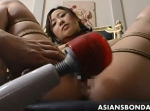 Extreme bondage and dildo fuck for an Asian babe - XVIDEOS.COM(5)