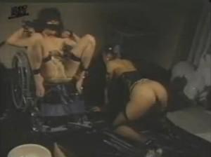 【往年の名作SM】レズSM浣腸我慢排泄鑑賞 - エロ動画 アダルト動画