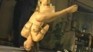 持田涼子 浣腸されて緊縛逆さ吊りで排泄させられる恥辱のマゾ奴隷