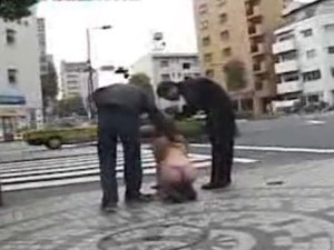 Taking Japanese Bitch on a walk - XVIDEOS.COM(2)