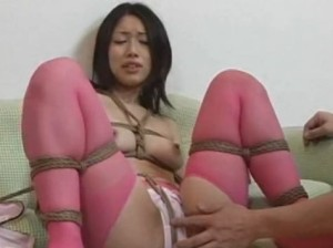 縛ってローターでイカせるピンクパンティに愛液染み - エロ動画 アダルト動画