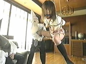 女の子を拘して、玩具で責める - エロ動画 アダルト動画