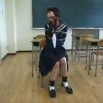 猿轡にセーラー服緊縛 教室で浣腸されて・・・