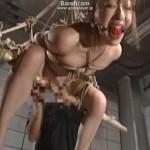 地下室で緊縛宙吊りバイブ調教に泣きじゃくるM女