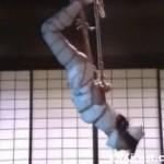 新山愛里 逆さ吊り縛り放置に呻くマゾなナース