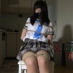 暴漢に襲われ麻縄で縛られたセーラー服の女子校生