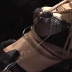 セクシー下着の中にリモコンローターを入れられた緊縛M女