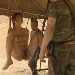 軍人のキャンプ地で全裸M字開脚縛りで吊るされたM女