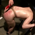 股縄縛りでギロチン拘束電マ調教に痙攣アクメが止まらないマゾ奴隷