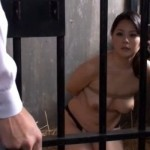 牢屋に監禁された後手縛りの人妻奴隷