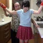 自宅で襲われ猿轡をかまされ台所で吊るされた女