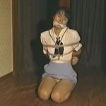 ハイヒールの制服OLを猿轡をかませ緊縛放置