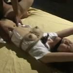 猿轡にベッドに縛りつけられ犯され続ける制服女子校生
